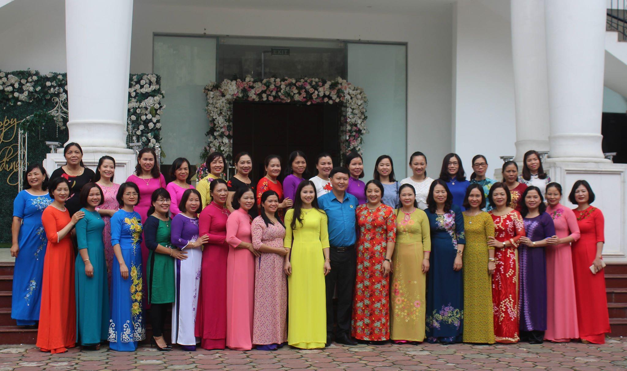 Tọa đàm Nâng cao chất lượng nữ cán bộ công đoàn - Hoạt động chào mừng kỷ niệm 88 năm ngày thành lập Hội Phụ nữ Việt Nam, 08 năm ngày Phụ nữ Việt Nam 20/10.