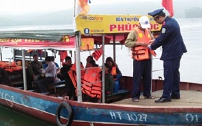 Thanh tra Sở GTVT tăng cường kiểm tra ATGT tại bến đập...