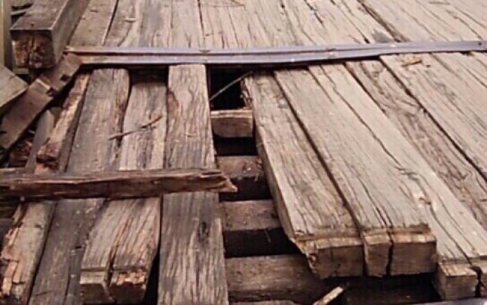 Cấm các phương tiện ô tô qua cầu Lộc Yên thuộc địa phận...
