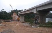 Kiểm tra tiến độ thi công cầu Vực Nầm, huyện Hương Sơn